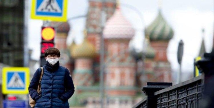 Rusya'da Kovid-19 vaka sayısı 300 bini aştı