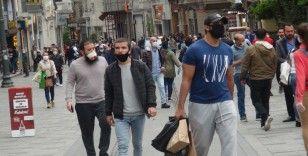 Taksim Meydanı ve İstiklal Caddesi'nde dikkat çeken yoğunluk