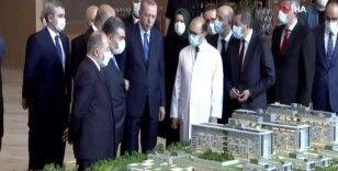 Cumhurbaşkanı Erdoğan, Başakşehir Çam ve Sakura Şehir Hastanesi'nde