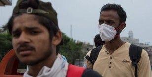 Hindistan'da Kovid-19 vaka sayısında en fazla günlük artış kaydedildi