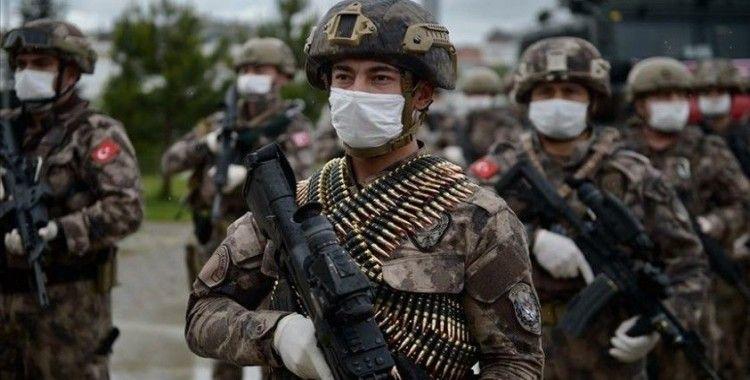 Eskişehir'de Suriye'den dönen özel harekat polisleri dualarla karşılandı