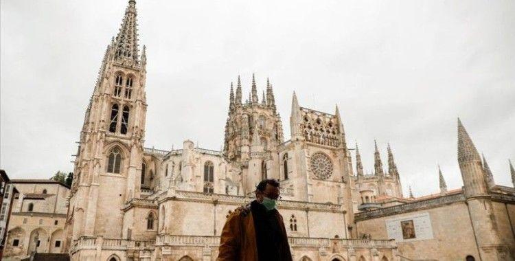 İspanya, temmuzda sınırlarını uluslararası turizme açıyor