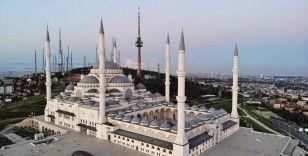 Çamlıca Camii bu sene Ramazan Bayramı'nda boş kaldı