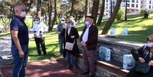 65 yaş ve üzeri vatandaşlar bayramın ilk günlerini parkta değerlendirdi