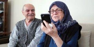 Yaşlı bazı vatandaşlar ilk kez görüntülü görüştü
