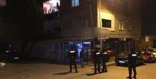 Sultanbeyli'de husumetli iki aile arasında bıçaklı kavga