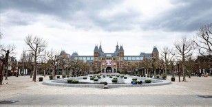Hollanda'da Kovid-19'dan ölenlerin sayısı 5 bin 830'a yükseldi