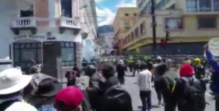 Ekvador'da korona kesintileri, halkı sokaklara döktü