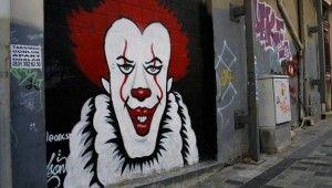 Kepenkler kapatıldı grafitiler ortaya çıktı