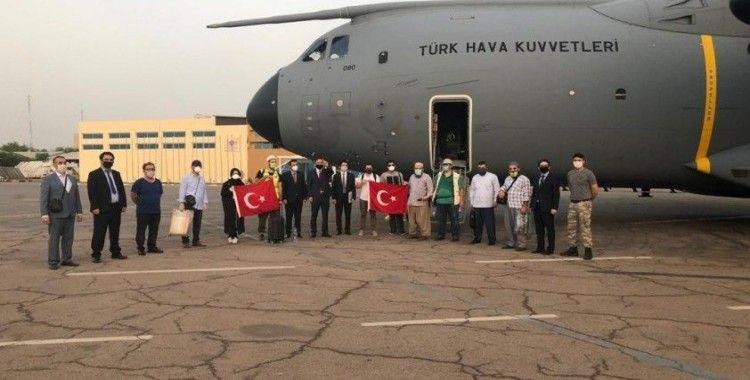 MSB: 'Çad'dan TSK'ya ait uçağımız 14 vatandaşımızı da alarak dönüşe geçti'