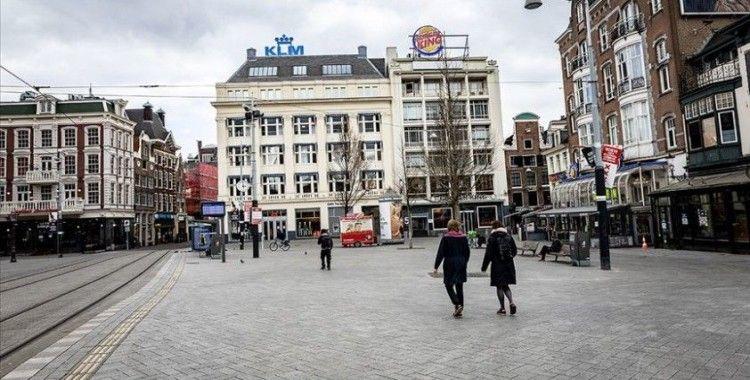 Hollanda'da Kovid-19'dan ölenlerin sayısı 5 bin 871'e yükseldi