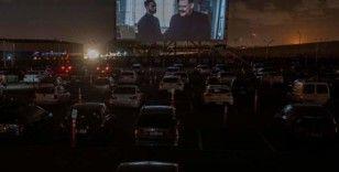 Uruguay'ın en büyük havalimanı arabalı sinemaya dönüştü