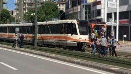 Gaziantep'te tramvay raydan çıktı