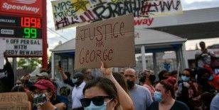Uluslararası Af Örgütü: Minneapolis'te siyahinin ölümüne neden olan polis hesap vermeli