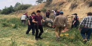 15 yaşındaki ağabeyin kullandığı traktör devrildi, 4 yaşındaki kardeşi öldü