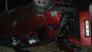 Yoldan çıkan araç ağaçlara çarptı