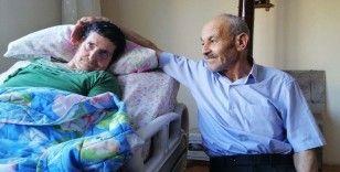 Vefalı koca: 43 yıllık eşine ilk günkü aşkla bakıyor