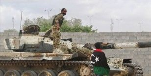 Libya ordusu Trablus'un güneyinde ilerliyor