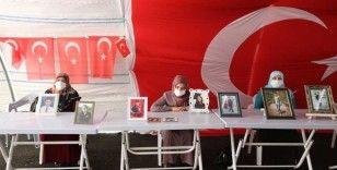 HDP önündeki ailelerin evlat nöbeti 270'inci gününde