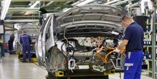 İngiltere'de Nisan ayında otomobil üretimi neredeyse 'tamamen durdu'