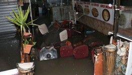 Ankara'da sağanak yağış hayatı felç etti