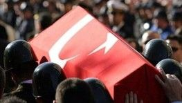 Diyarbakır'da sırtından vurulan polis şehit oldu