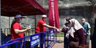 65 yaş üstü vatandaşlar parkları doldurdu