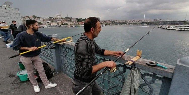 Yasağın kalkmasıyla balık tutmaya koştular