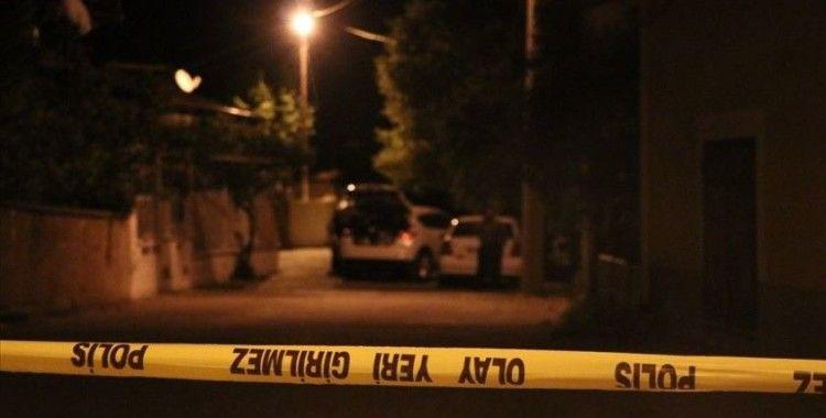 Ankara'da yüksek sesle müzik dinleyenleri uyaran genç öldürüldü