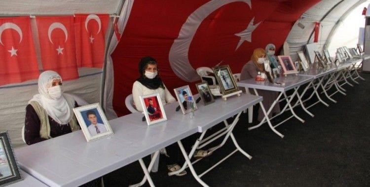 HDP önündeki ailelerin evlat nöbeti 275. gününde