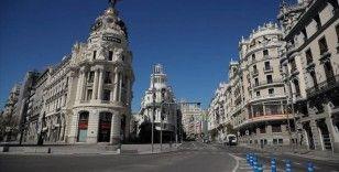 Kovid-19'u OHAL ile yavaşlatan İspanya, ekonomik krize de normalleşmeyle çare arıyor