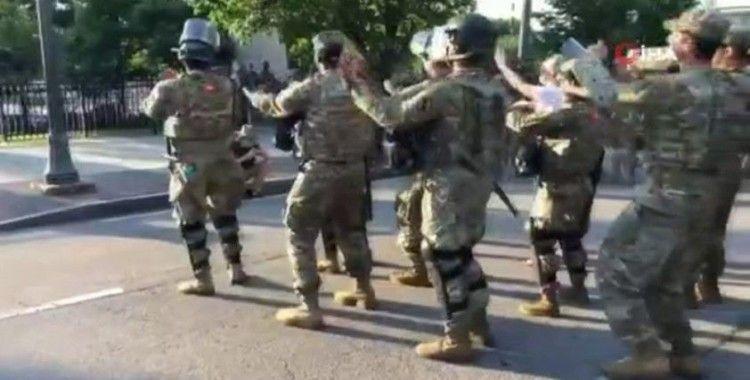 """ABD'de Ulusal Muhafızlar """"Macarena"""" dansı yaptı"""