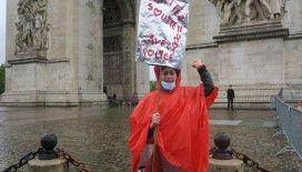 Fransa'da İçişleri Bakanı Castaner'e tepki gösteren polislerden protesto