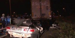 Başkent'te park halindeki tıra otomobil çarptı: 1 ölü