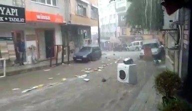 Bursa'da sel suları önüne ne kattıysa sürükledi