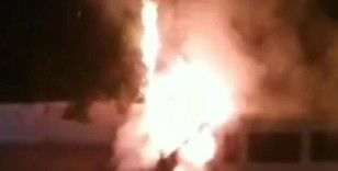 Park halindeki minibüs ateş topuna döndü