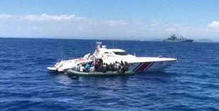 İzmir'de 56 sığınmacı kurtarıldı