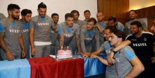 Jose Sosa'ya doğum günü kutlaması