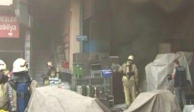 Zeytinburnu'nda sanayi sitesinde yangın