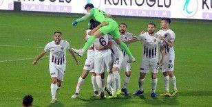 İstanbulspor, sahasında Hatayspor ile 2-2 berabere kaldı