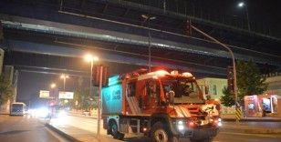 Haliç Köprüsü'nde intihara kalkışan erkek şahıs ikna edildi