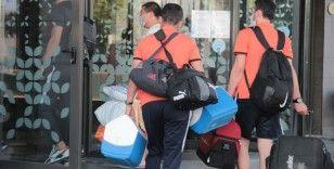 Koronavirüs şoku yaşayan Akhisarspor İzmir'e geldi