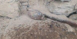 Uşak'ta yıkılan binadan el bombası çıktı