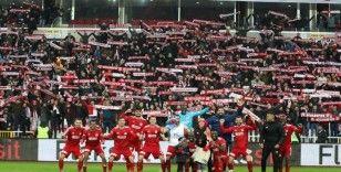 Sivasspor taraftarı, Mert Hakan ve Emre Kılınç'ın takımdan ayrılmasını istemiyor