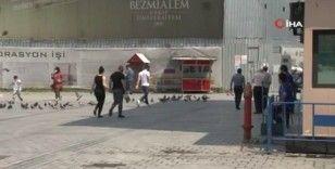 Eminönü Meydanı'nda kısıtlama sonrası hareketlilik başladı