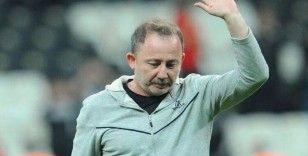 Sergen Yalçın: 'Beşiktaş şampiyonluğa oynayan bir kadro kuracak'