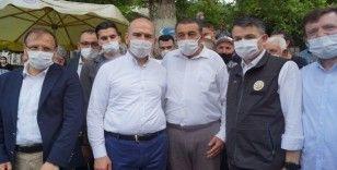 Bakan Soylu ve Pakdemir'li sel felaketi yaşanan Yenisölöz'de incelemelerde bulundu