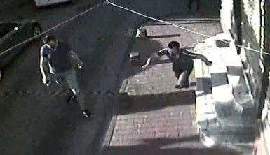İstanbul'un göbeğinde silahlı saldırı kamerada