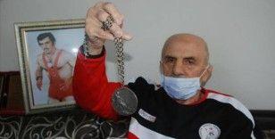 Eski milli güreşçi Vehbi Akdağ hayatını kaybetti