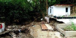 Dört kişiye mezar olan bağ evinin arazisi 5 bin liraya alınmış